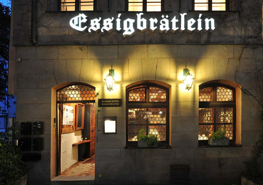 Eingang zum Restaurant Essigbrätlein in Nürnberg
